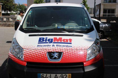 Imagem de carrinha publicitária